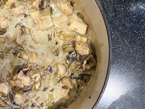 Poulet aux champignons, endives et lardons