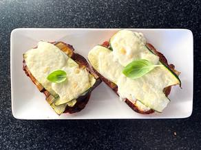Bruschettas aux légumes grillés et à la mozzarella