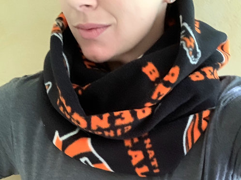 Fleece Cincinnati Bengals Infinity Scarf w/ Zippered Pocket