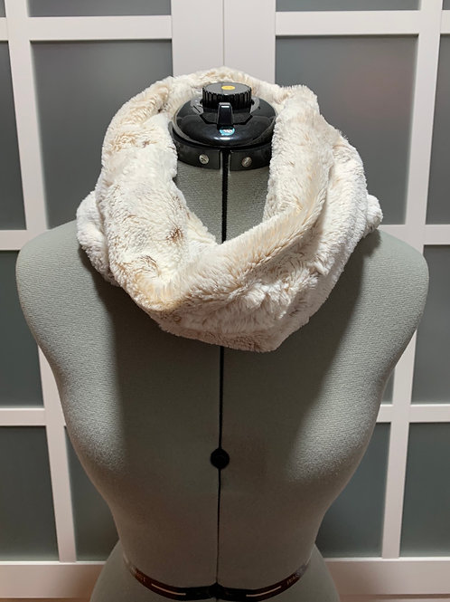 Petite Minky Infinity Scarf w/ Zippered Pocket