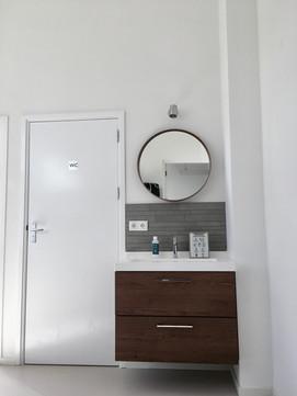 Kleedruimte met wc en douche
