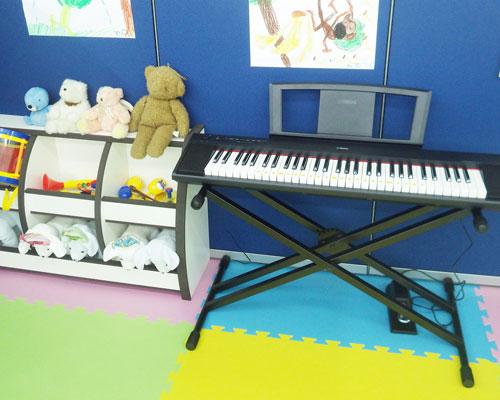 ピアノ・おもちゃ
