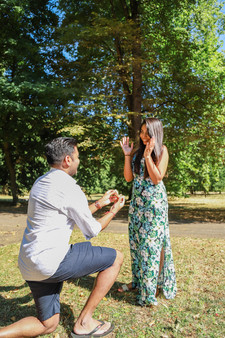 Surprise marriage proposal, London