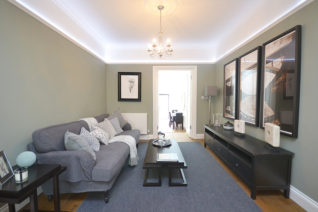 large living room and extended seating a