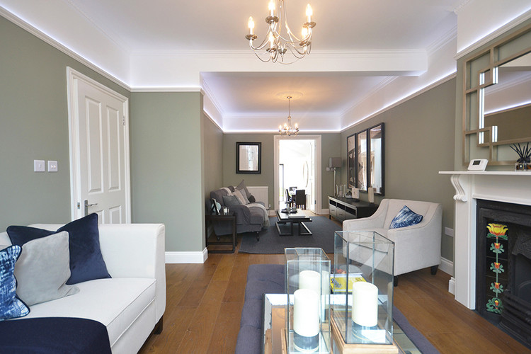 Extravagent living area Balham Hill home