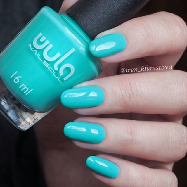 Если к вам тоже, наконец, приходит солнце и лето, то пора красить ногти чистыми и яркими оттенками!