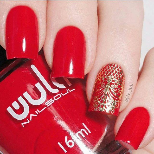 Огоооо, вот и добрался наш новогодний приз до Юли _iv_juli ❤️_Наш идеальный красный #wula_nailsoul в