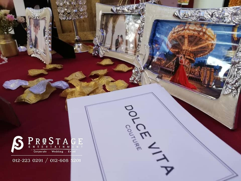 photo table decoration