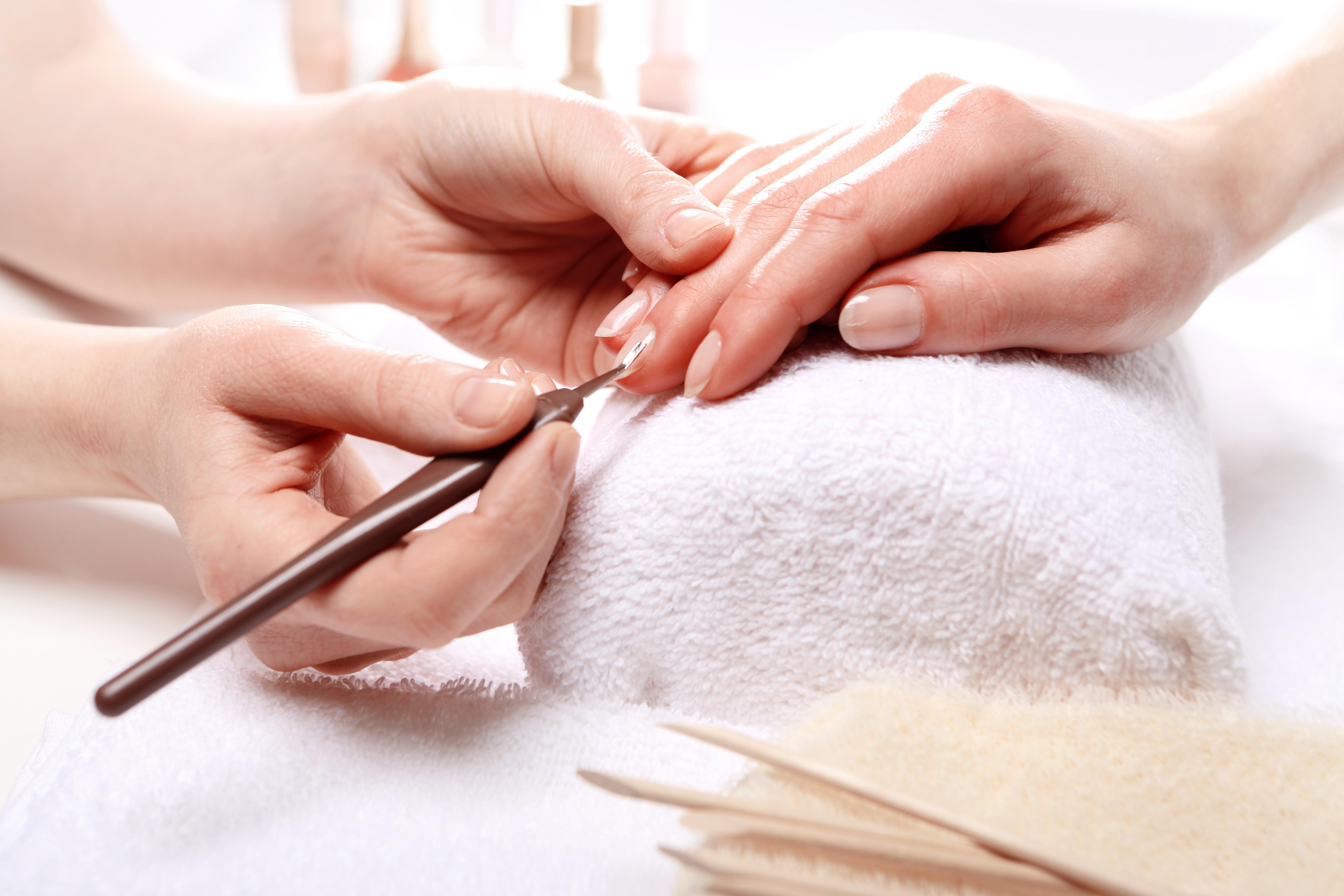 Klassische Manicure