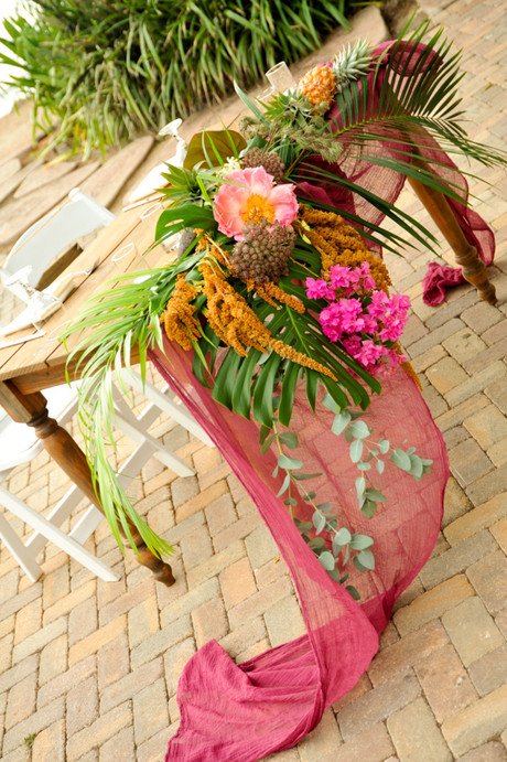 Boho Sweetheart Table at Olowalu Plantation