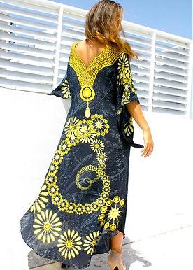 Dress gold jewels.Black Diamond