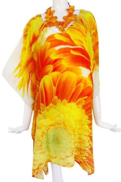 Top tunic bright amber marguerites. Marguerite