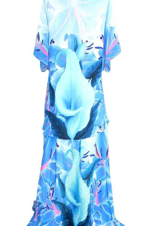 dress in silk. blue Iris Flowers. La Vie est Belle.N