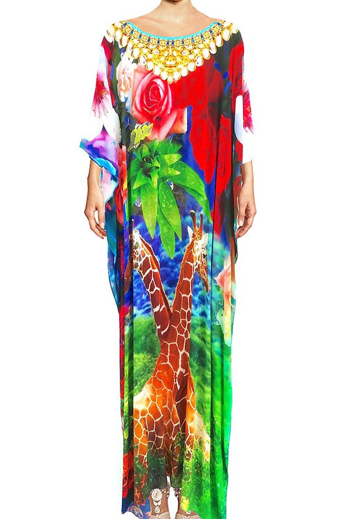 Kaftan in Kaftan in silk Giraffe surrousilk Giraffe surrounded by roses. Giraffe