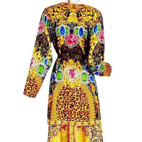 Kimono jacket in satin. Royalty gold