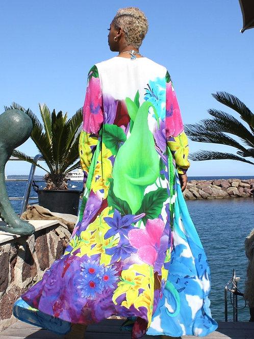 Long cape girl in the kimono jacket. Belle de Jour