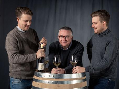 Hansjoerg, Valentin & Hans Rebholz am Barriquefass