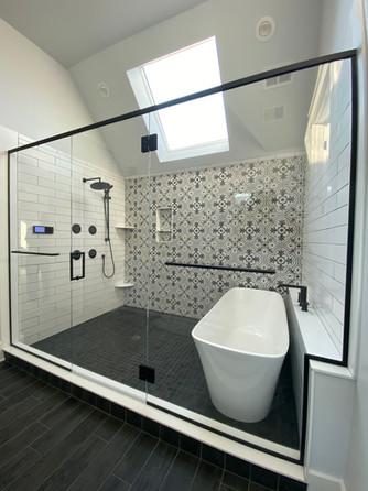 Wet Room with Header