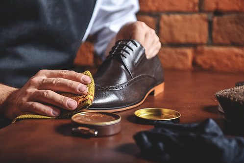 【靴磨き】スニーカークリーニング