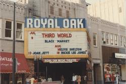04 Roal Oak theater d