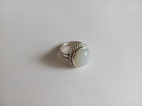 Кольцо.Лунный камень.