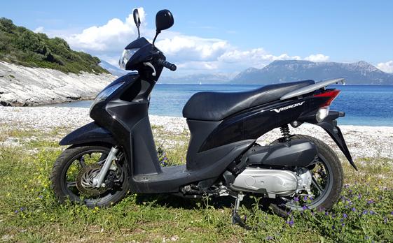 Nikos110cc02