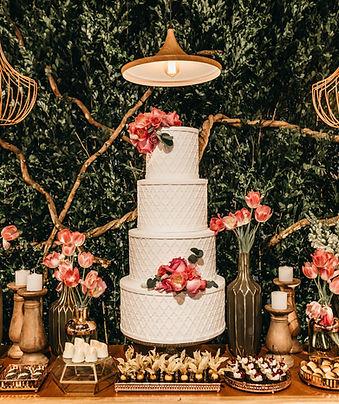 white-4-tier-cake-3014858.jpg