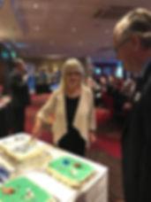 IMG_5705 - RL cutting cake.jpg