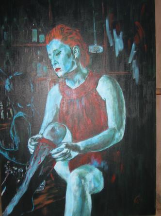 אישה בטורקיז על הבר