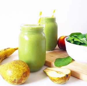 Peachy Pear Green Smoothie