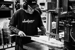 2013_Jackson_CustomShop_Manufacturing_136
