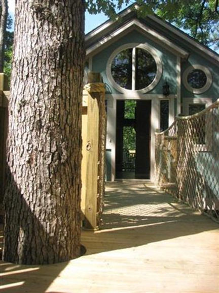 The Big Pine Treehouse
