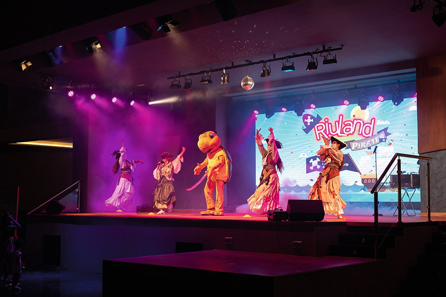 Children's Entertainment at Riu