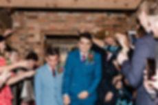 confetti groom photo