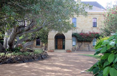Jimbour House Front Entrance.JPG