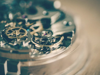 5 Reasons a mechanical time piece is worth fixing