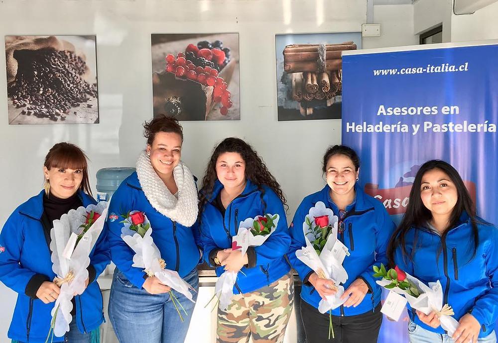 Mujeres Casa Italia