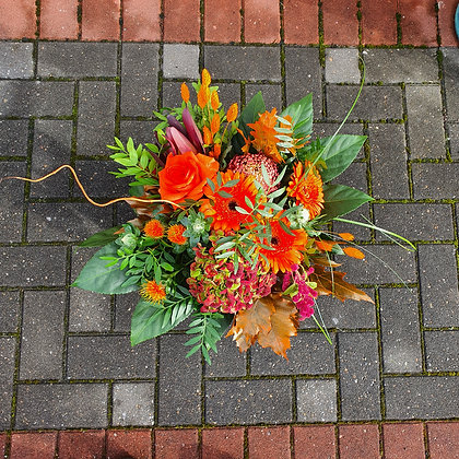 Autumn Thatched Cottage Wild Bouquet