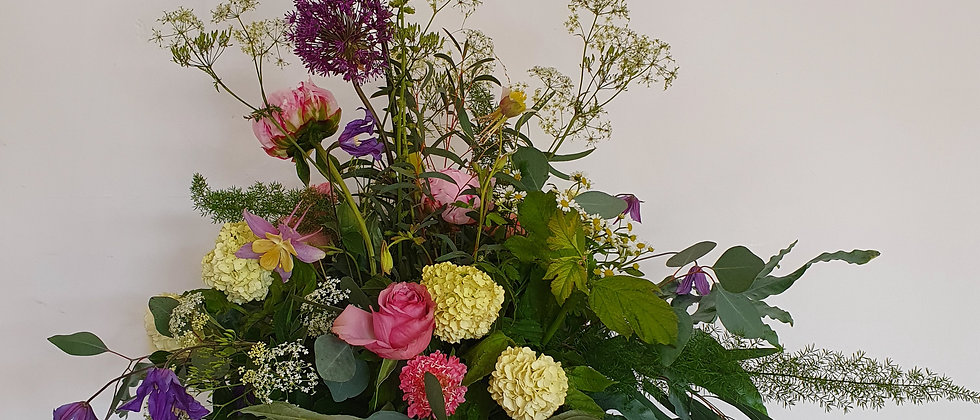 Country Manor Wild Bouquet