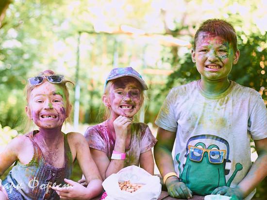 Так весело дети отметили в Forest парке окончание школы!