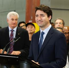 Prime Minister Factory Tour - 23.jpg