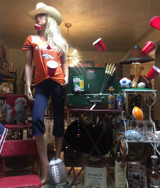 Broncos Mania at Swanky Pickens