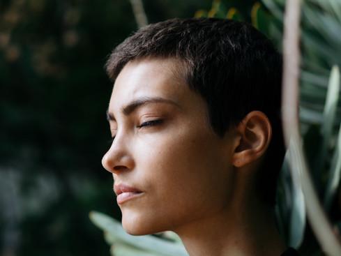 Entering the elusive long tide craniosacral rhythm through yogic breathing and meditation