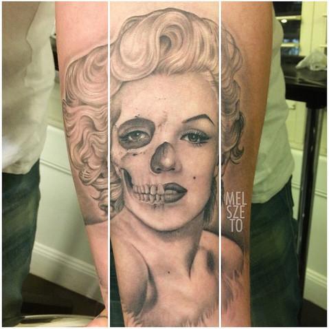 Marilyn Monroe skull