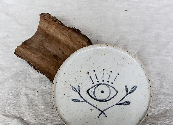 Kleiner Teller mit Augen Tattoo