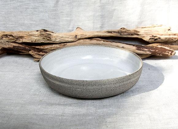 Niedrige Schale in grau weiß