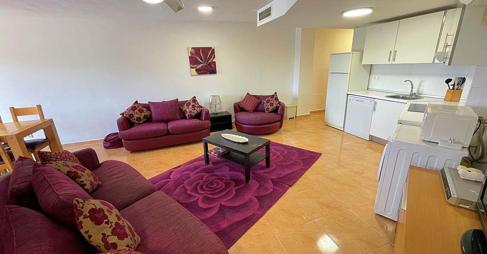 IMG_8963 lounge.heic