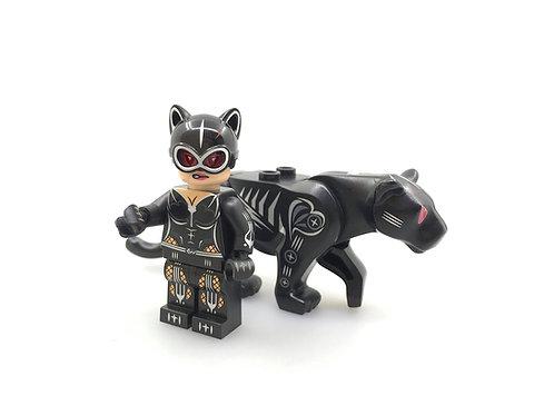 Bel's minifigure Feline Crusader