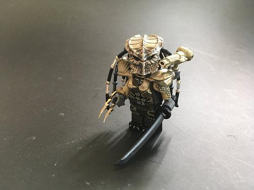 Huntress S Predator minifigure