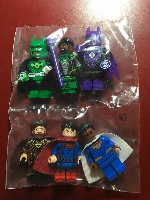 6 Leyile minifigs ( Lantern Batmans , Superman )